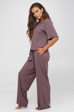 Модель 145: Костюм в рубчик брюки и футболка